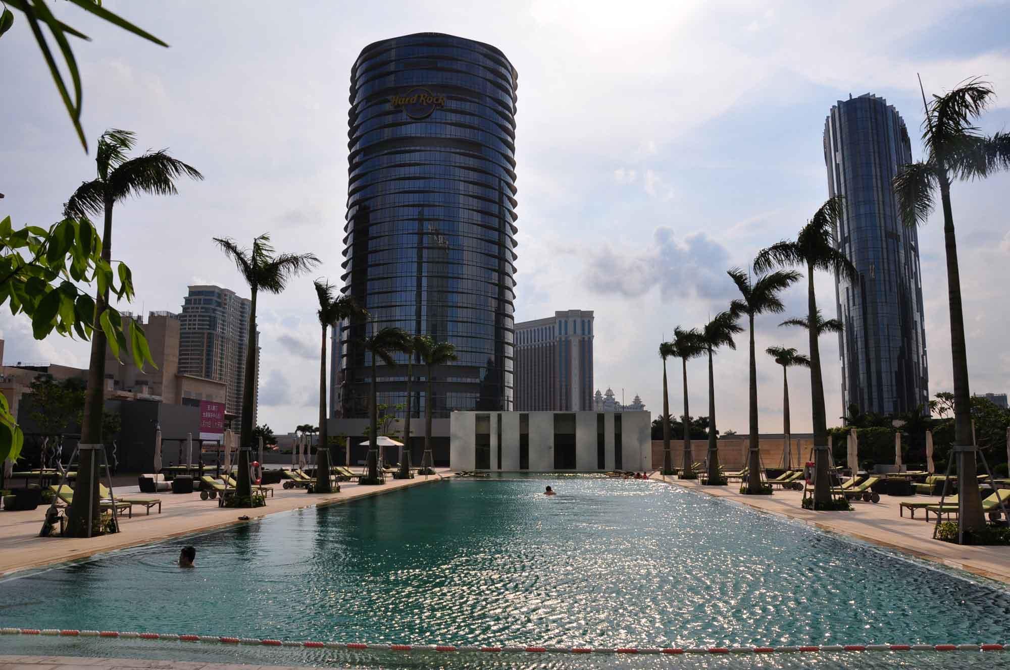 Grand Hyatt Hotel pool