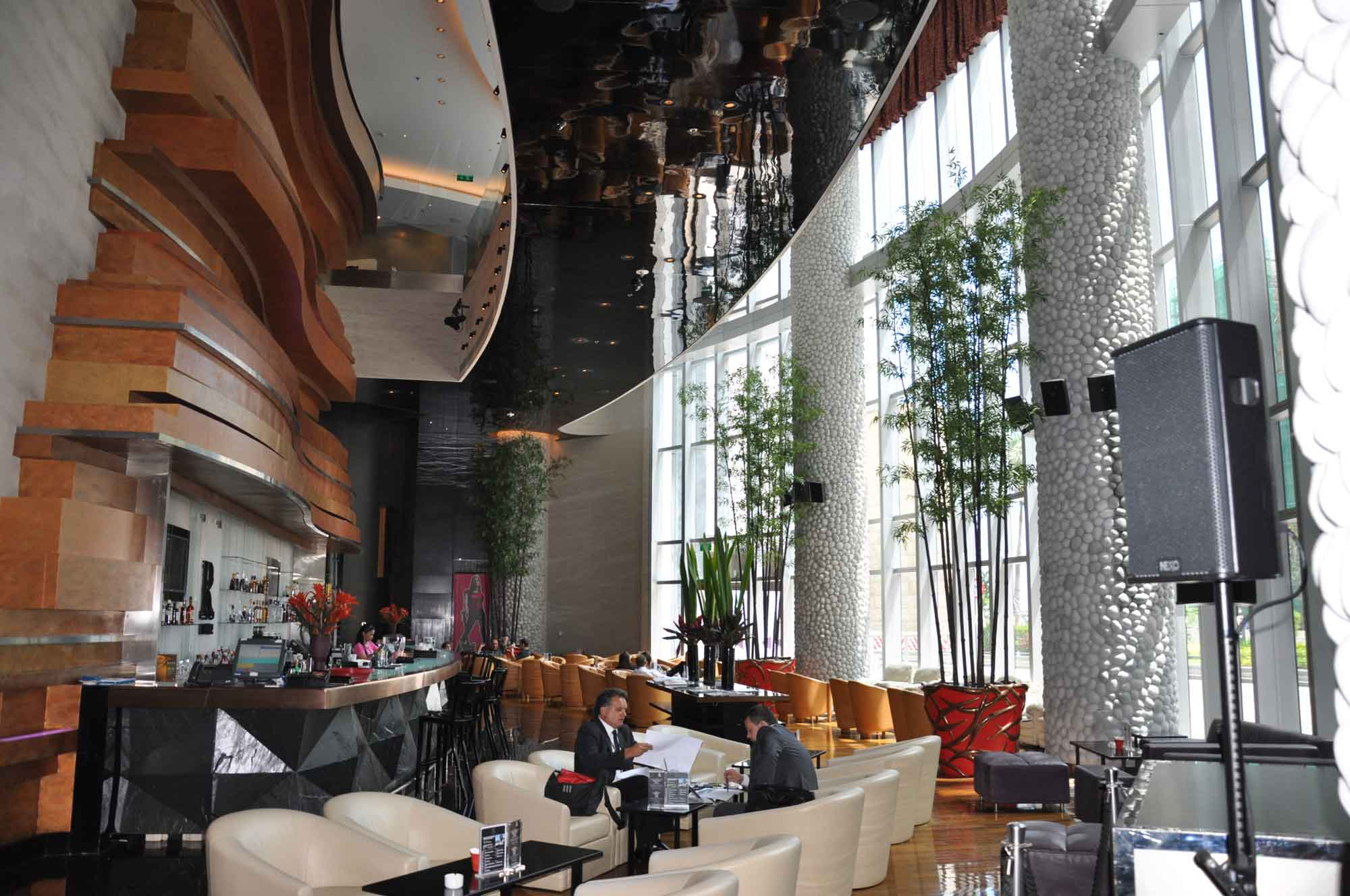 Countdown Hotel lobby lounge