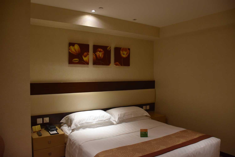 Casa Real Junior Suite bed