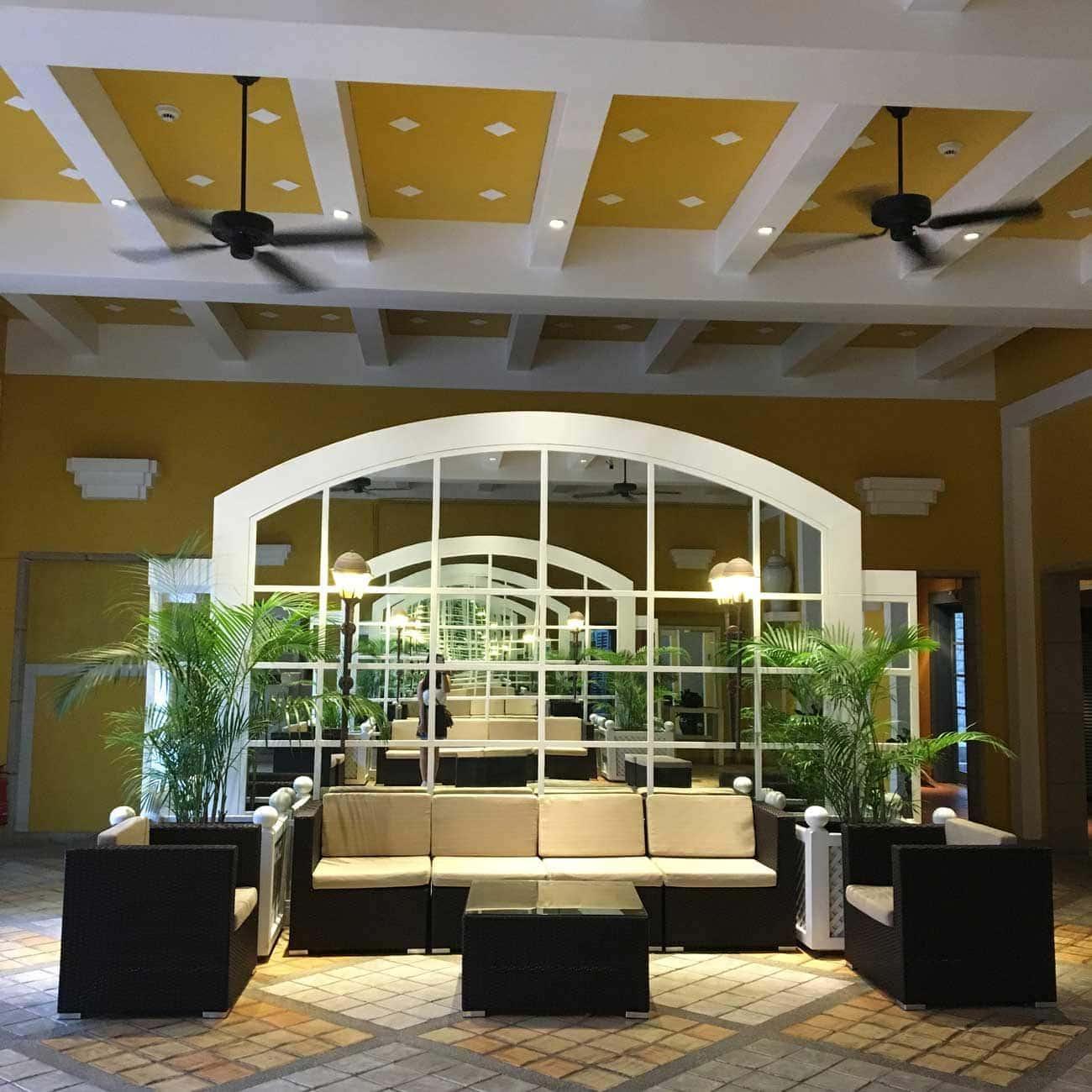 Regency Art Hotel seating area