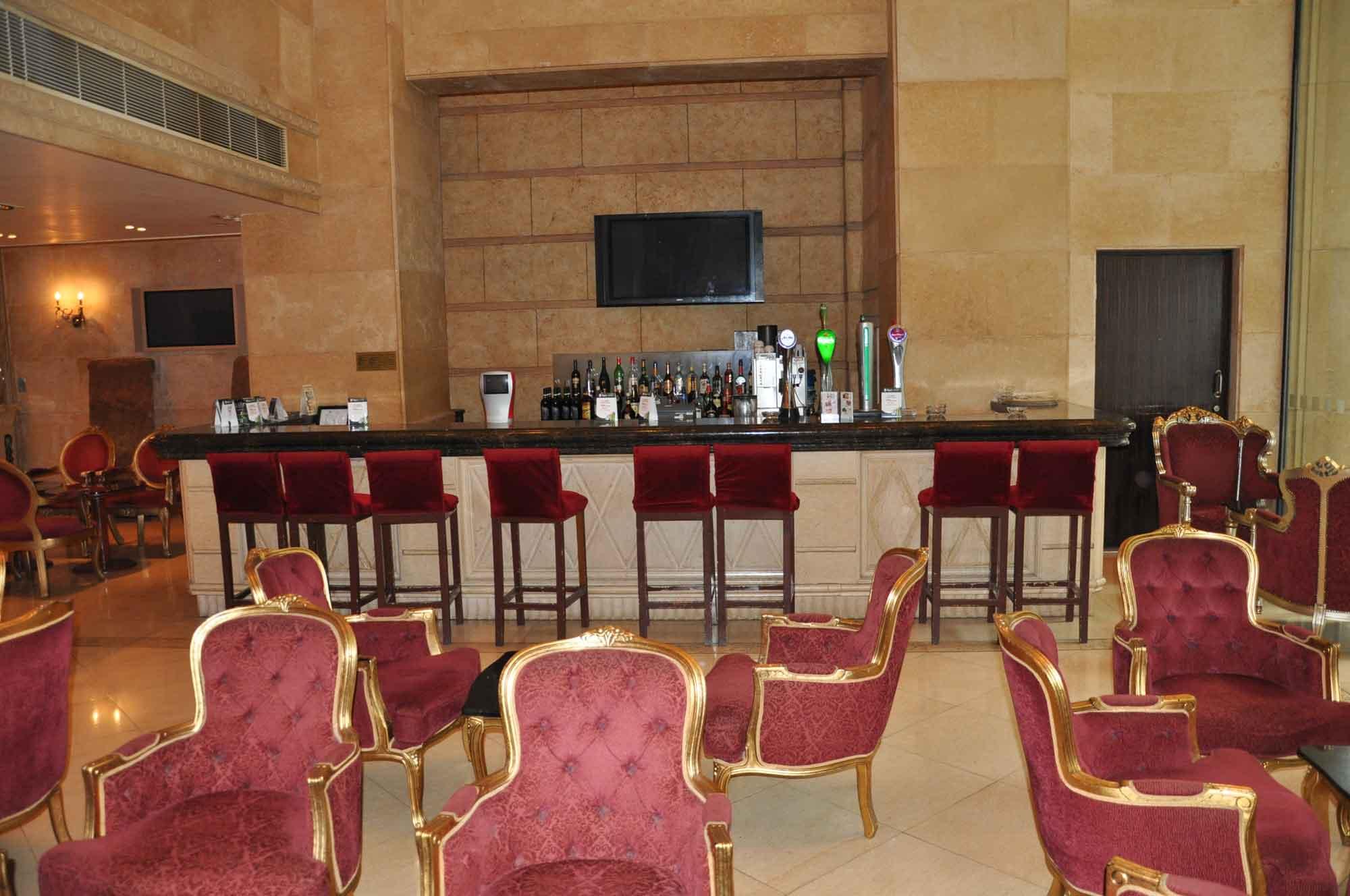 Oskar's Bar at Holiday Inn Macau