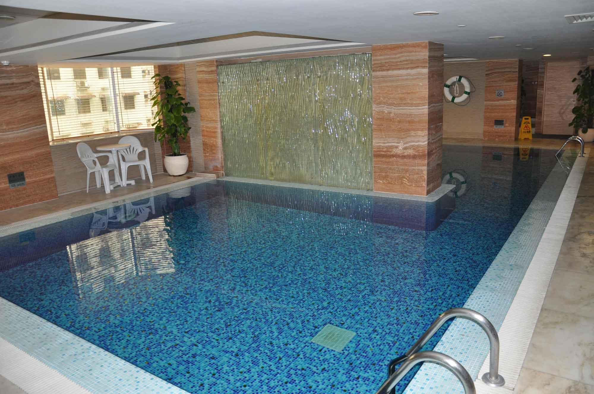 Holiday Inn Macau pool