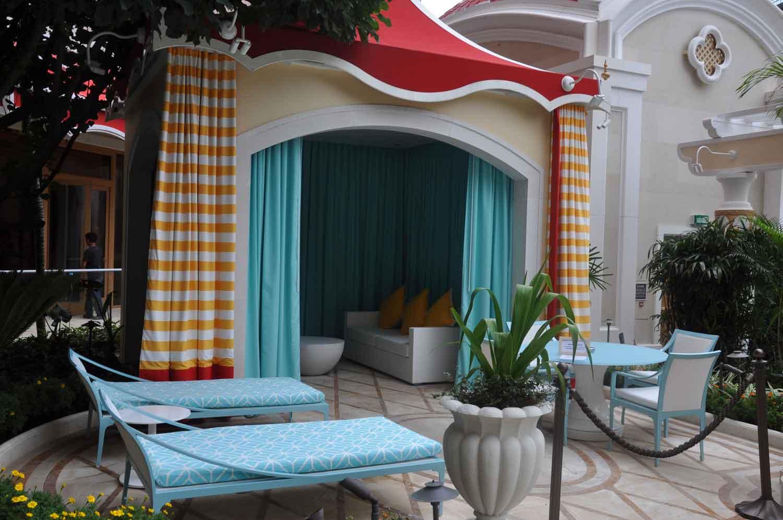 Wynn Palace King Room pool cabana