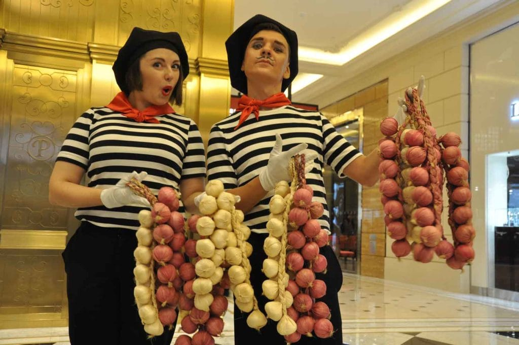 Parisian Macao street performers