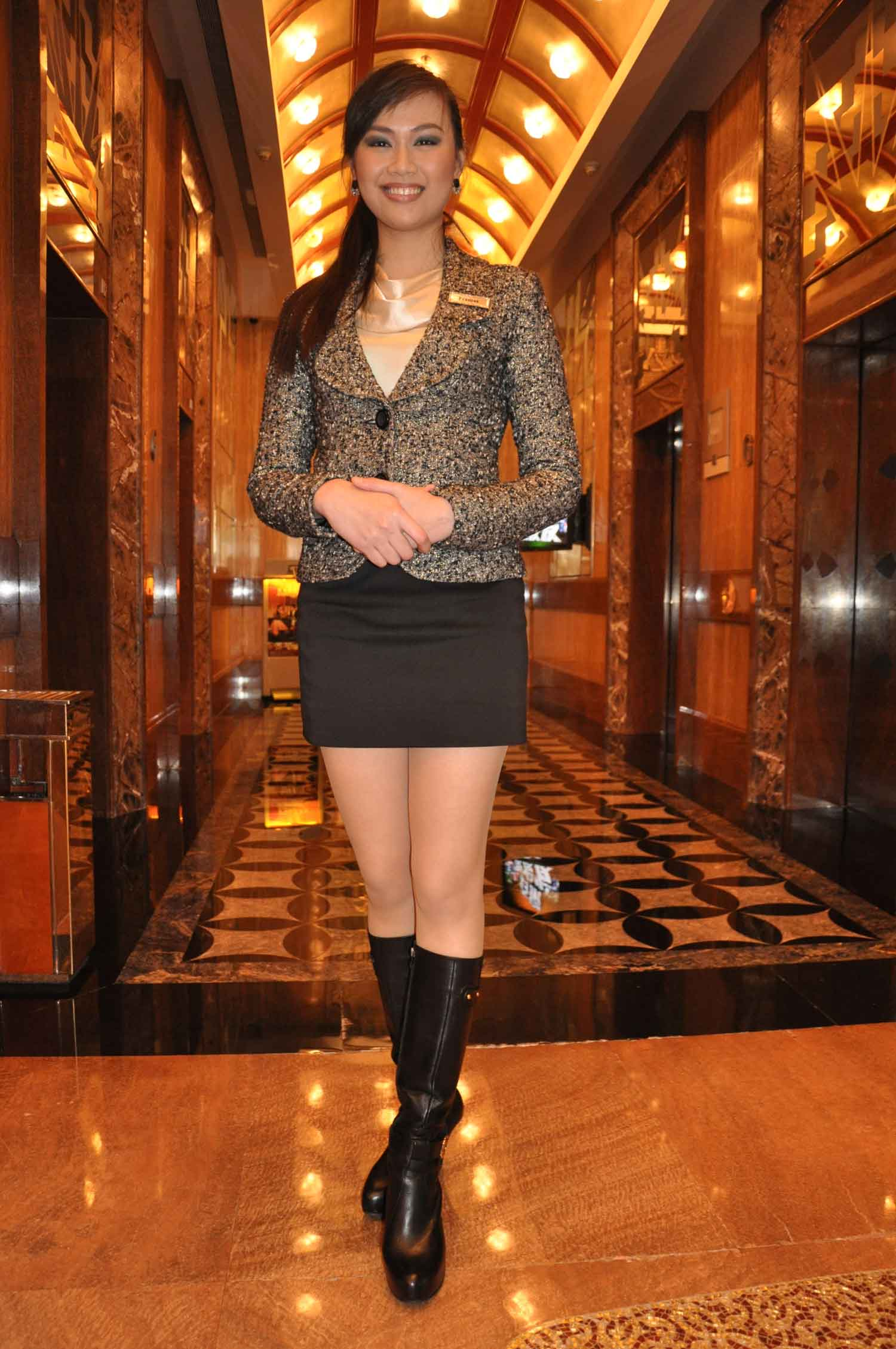 Tall and tantalizing Starworld Macau lobby ambassador