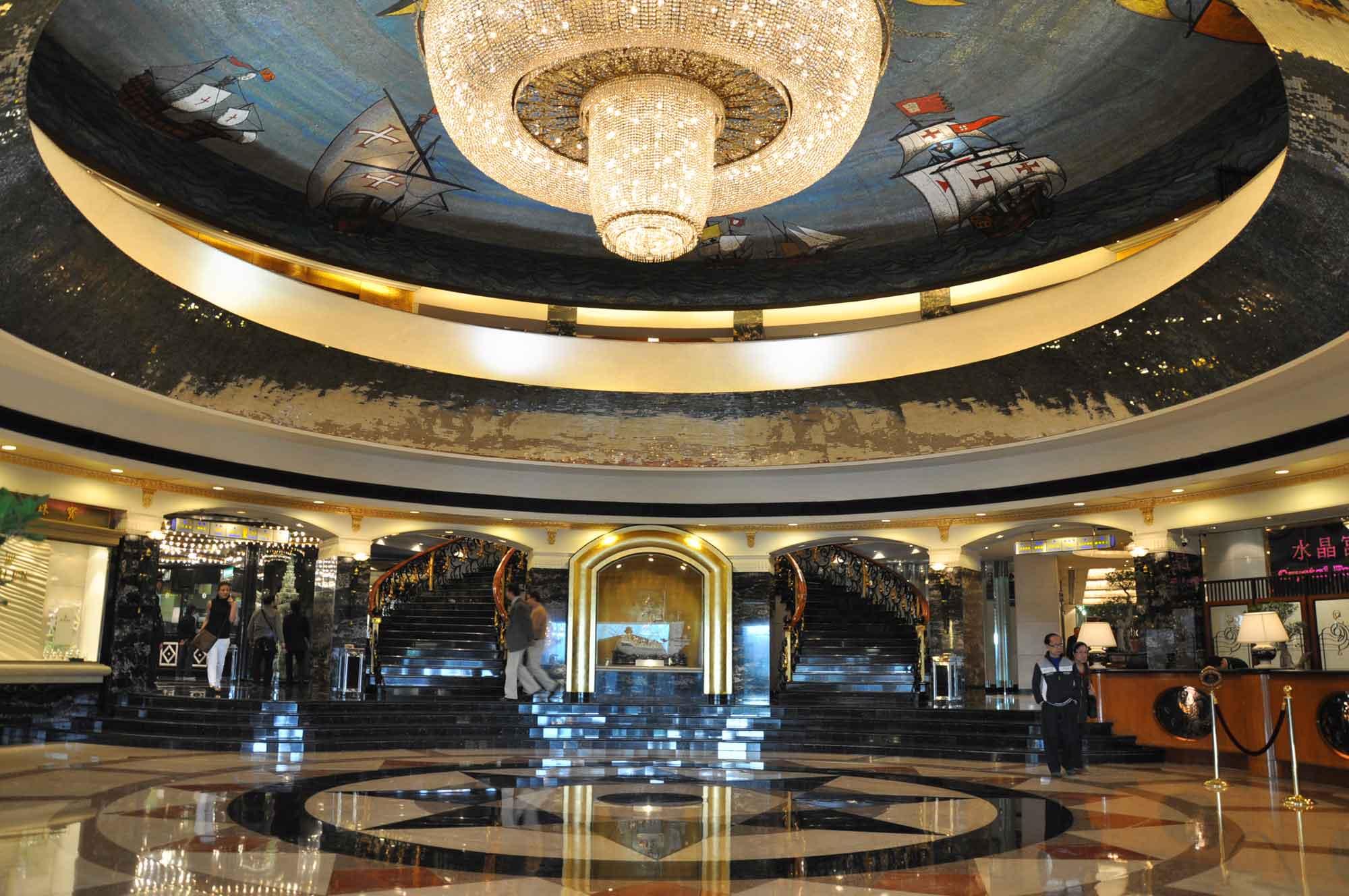 Hotel Lisboa West lobby