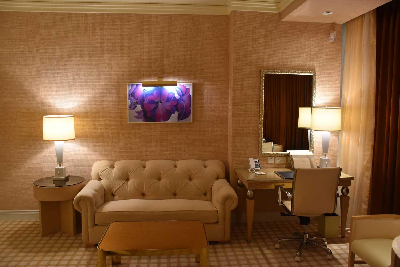 Wynn Macau Deluxe King sofa