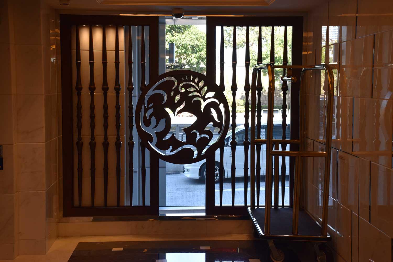 Jai Alai Hotel elevators