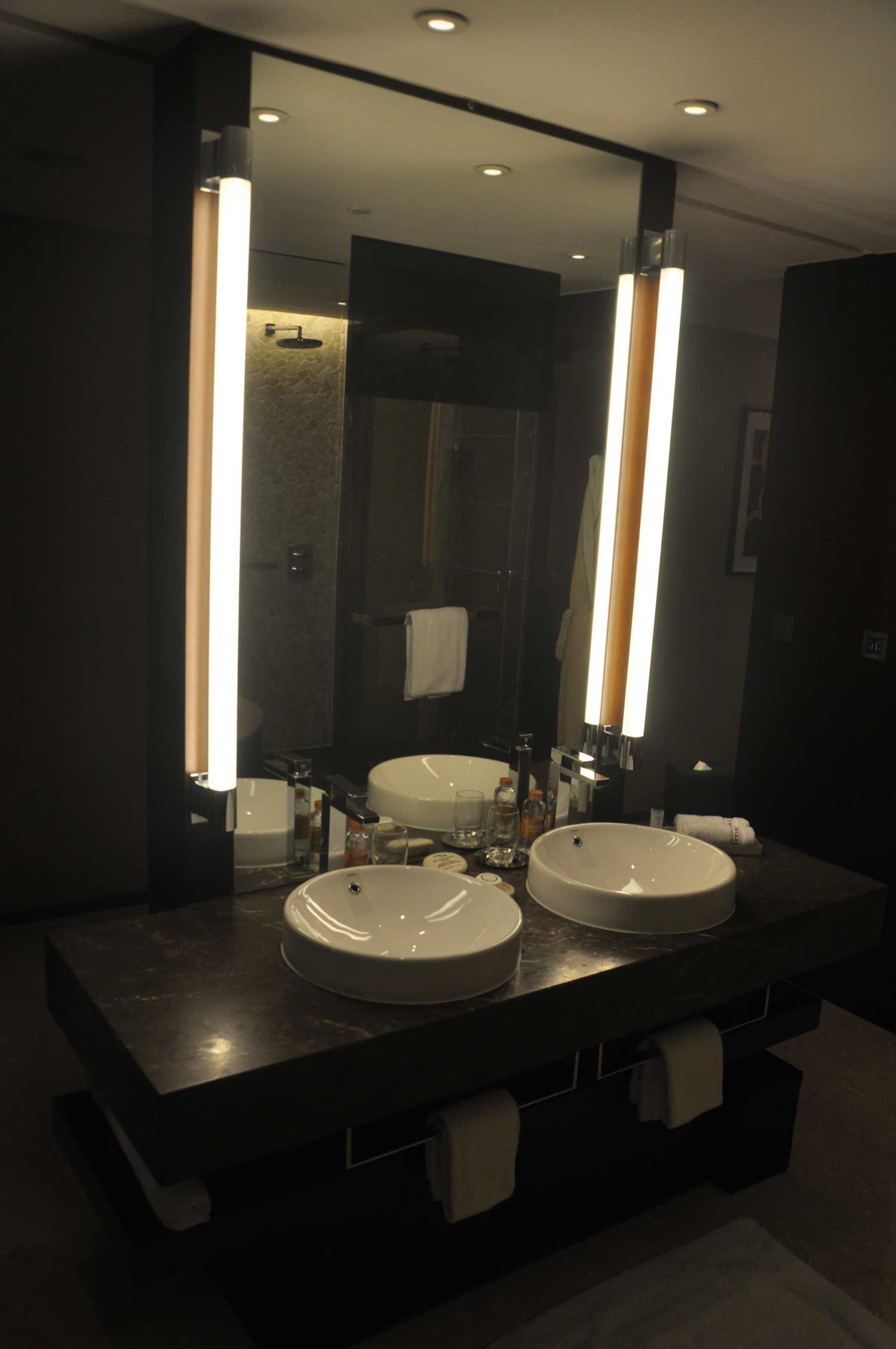 Altira Macau Waterfront King bathroom mirror and sink