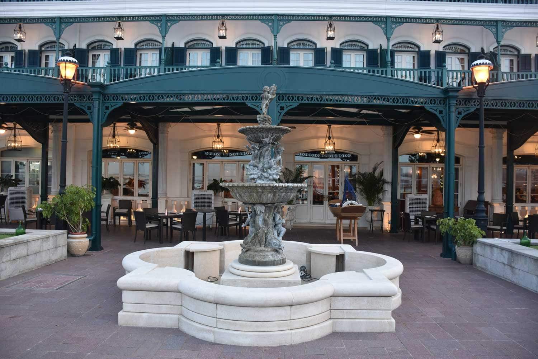 Rocks Hotel fountain