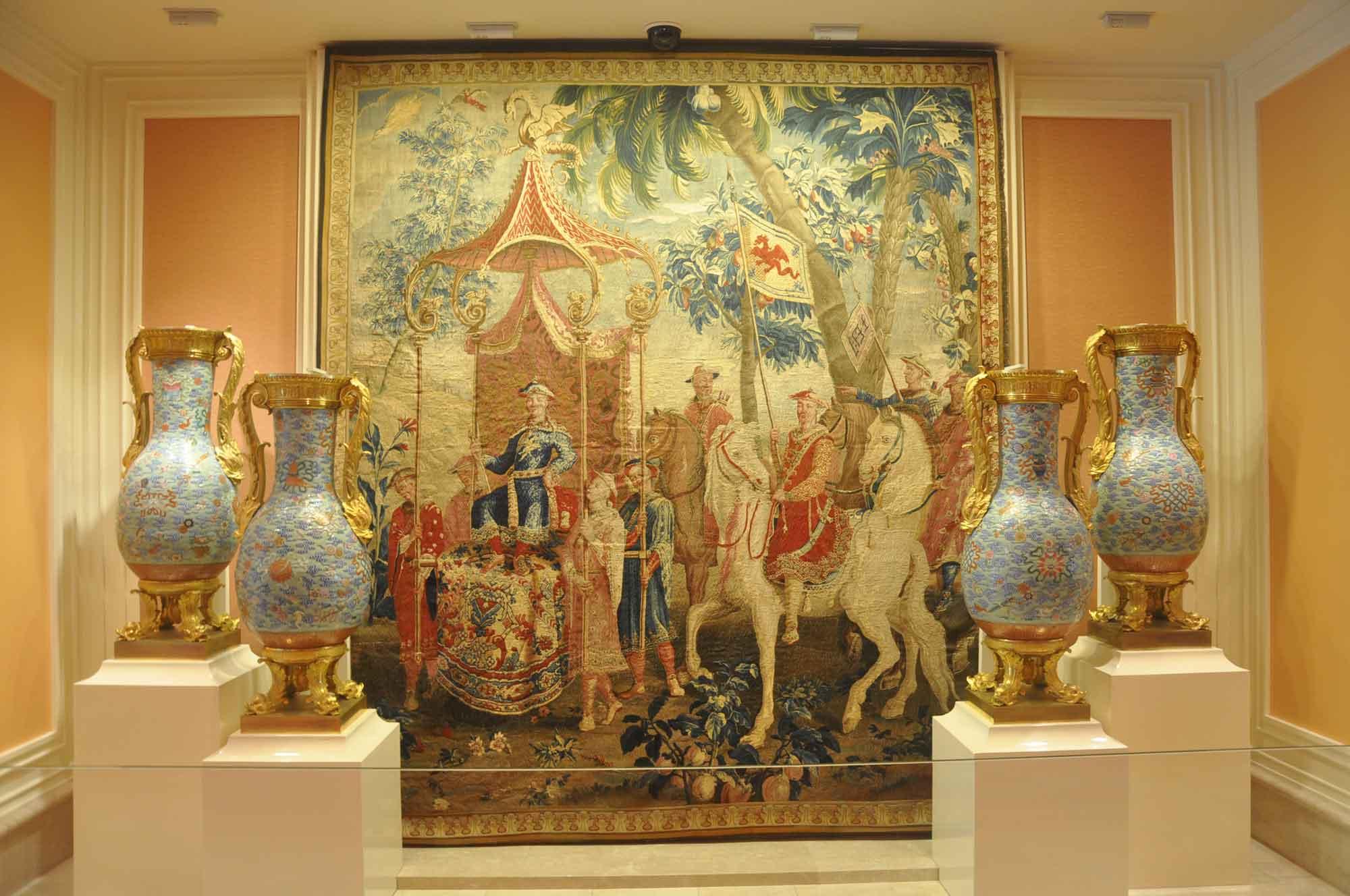 Wynn Macau lobby art