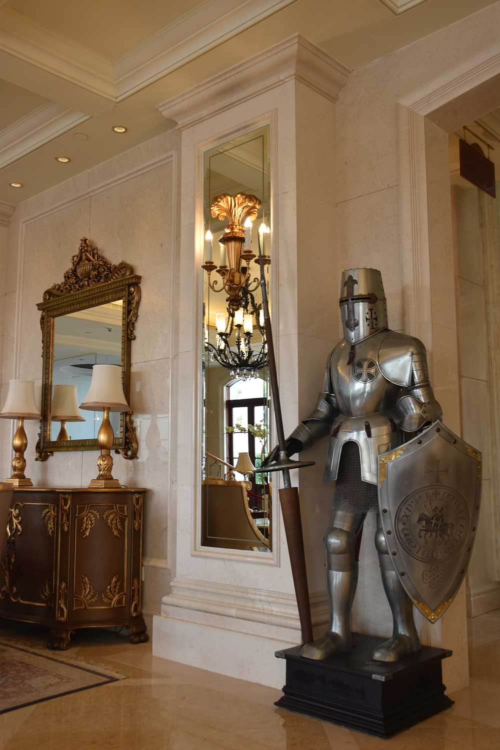 Rocks Hotel suit of armour