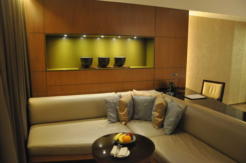 Altira Macau Waterfront King sofa and table
