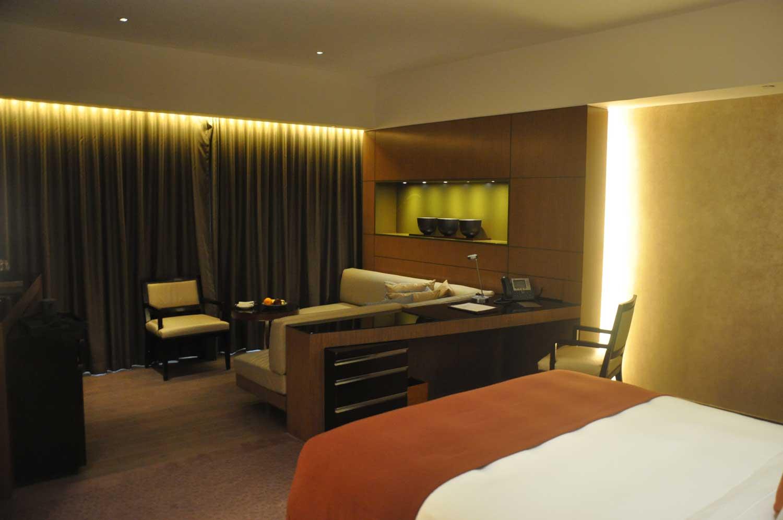 Altira Macau Waterfront King bed