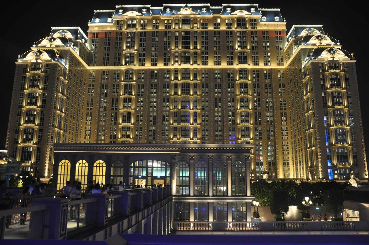 Parisian Macao night exterior
