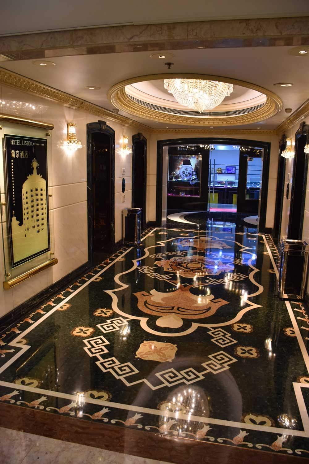 Hotel Lisboa hallway