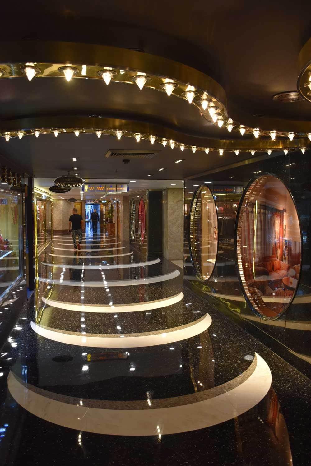 Hotel Lisboa shopping arcade