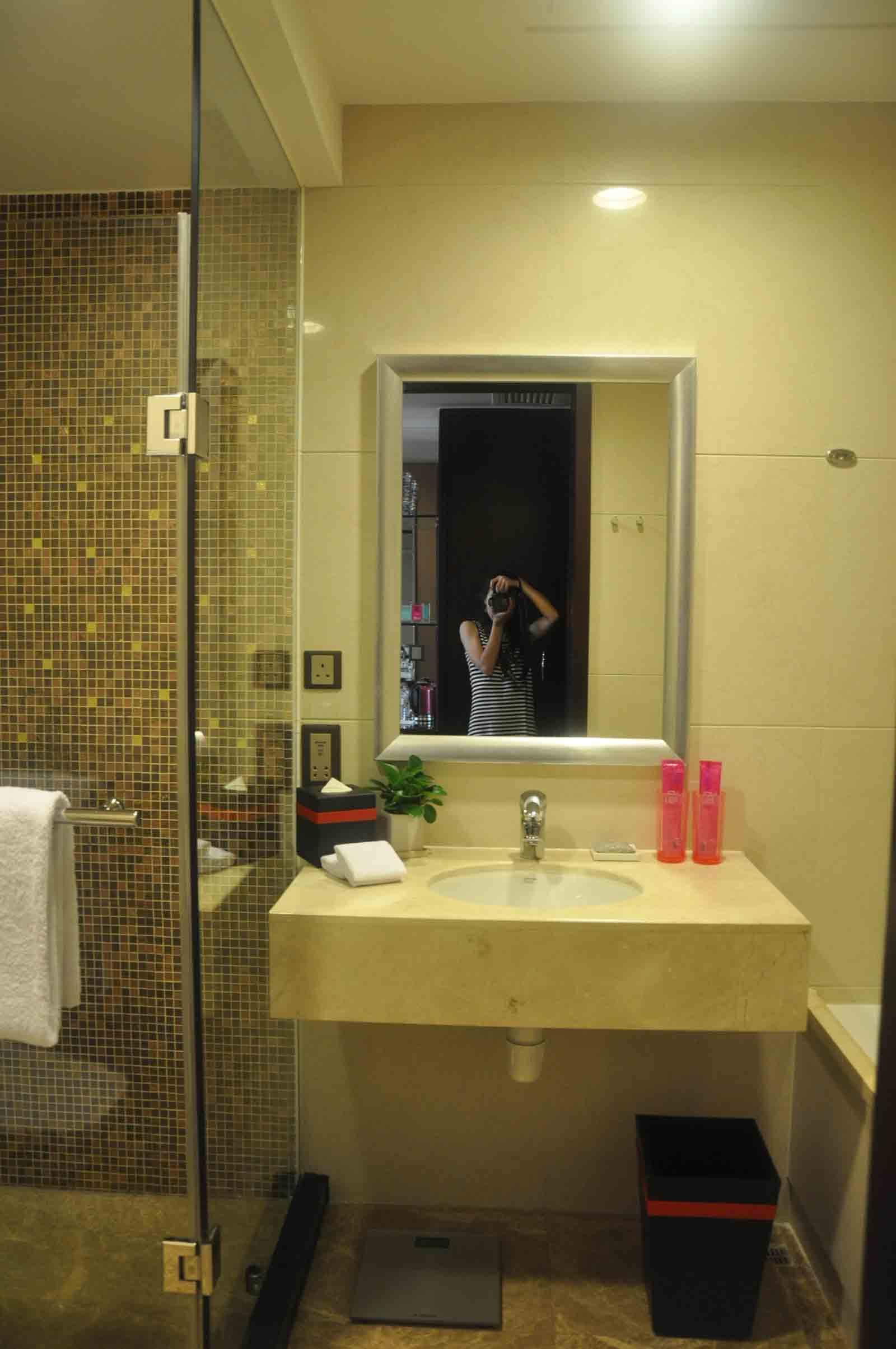 Broadway Macau Broadway King bathroom