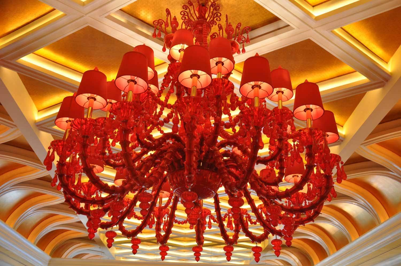 Wynn Macau lobby chandelier