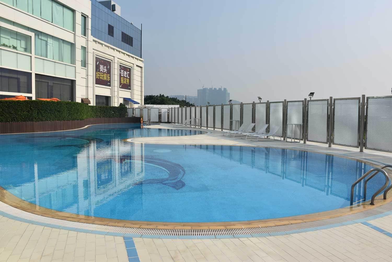 Broadway Macau outdoor pool