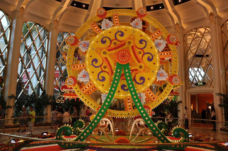 Wynn Palace flower Ferris Wheel