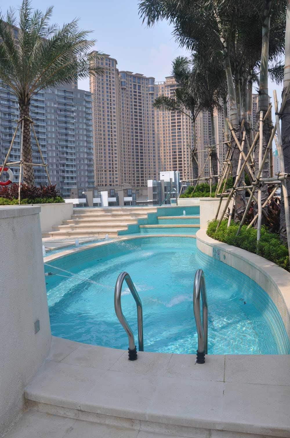 Small outside pool at Macau Roosevelt Hotel