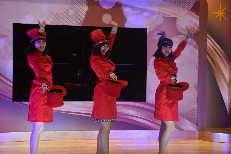 Starworld Macau lobby dancers