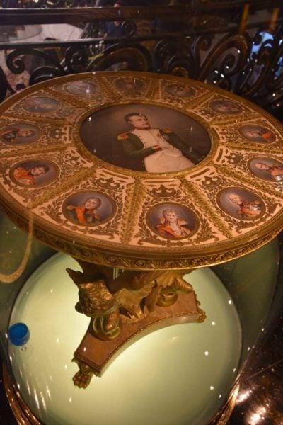 Hotel Lisboa decorative table