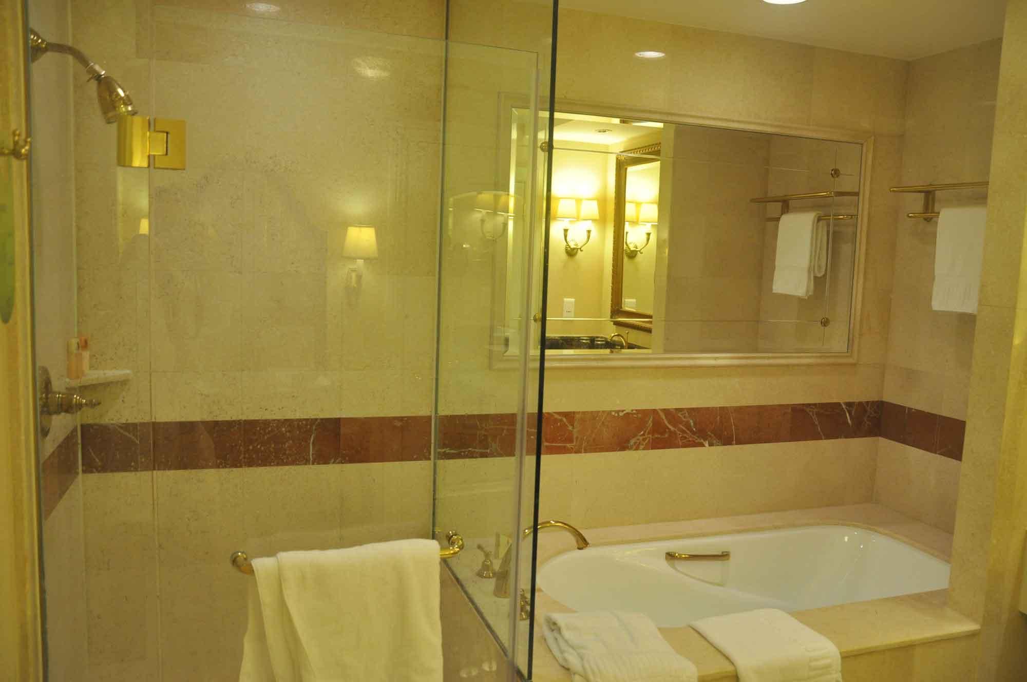 Venetian Macau Royal Deluxe Suite bathtub and shower