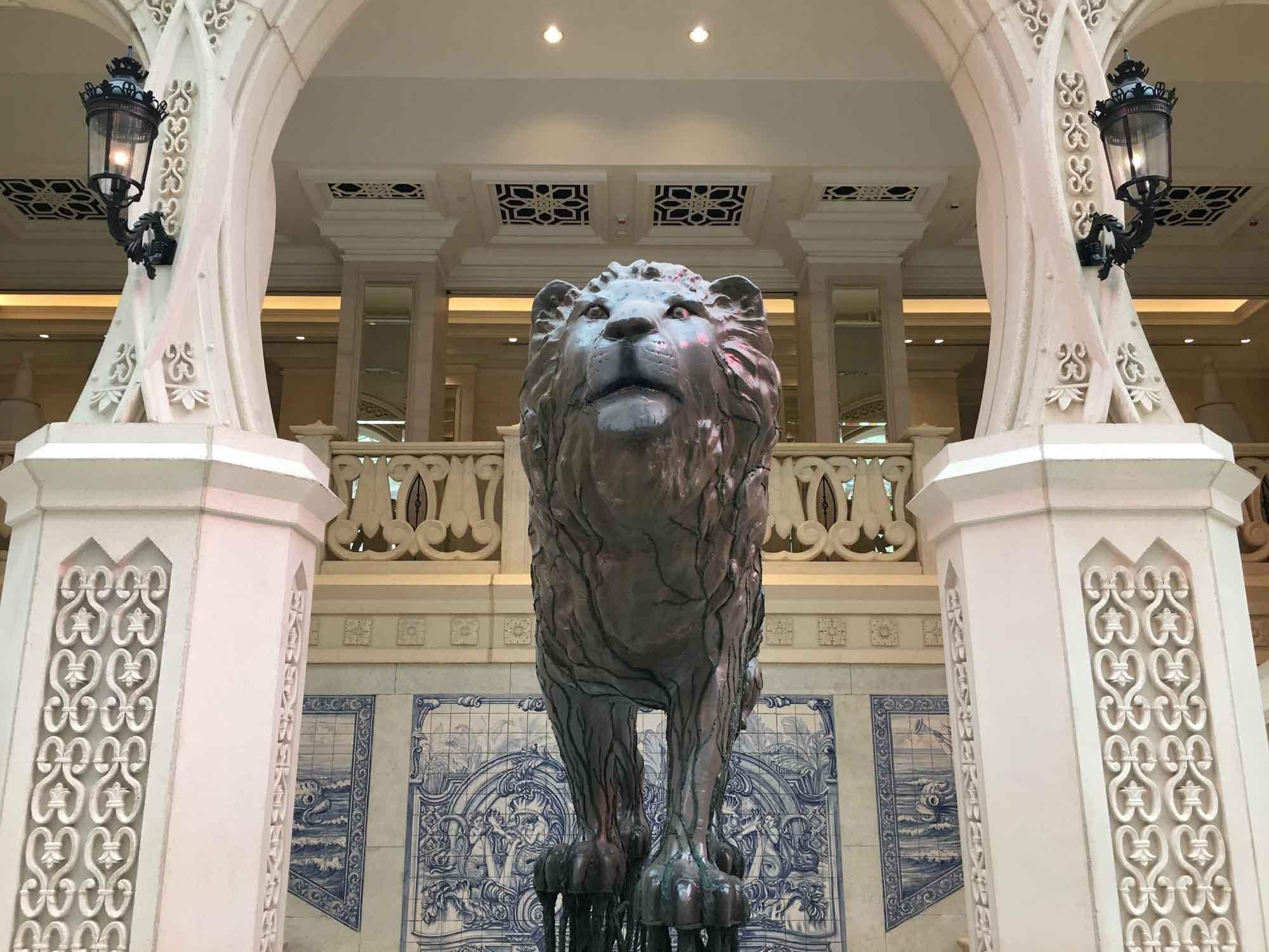 MGM Macau Grande Praca lion