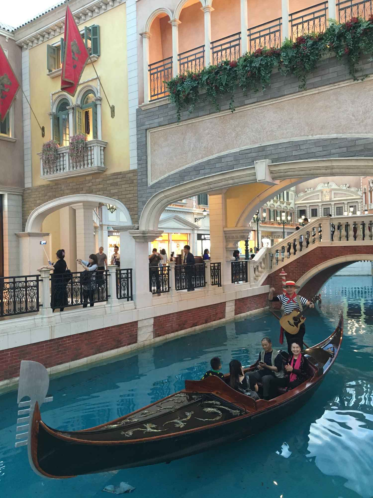 Venetian Macao gondolier