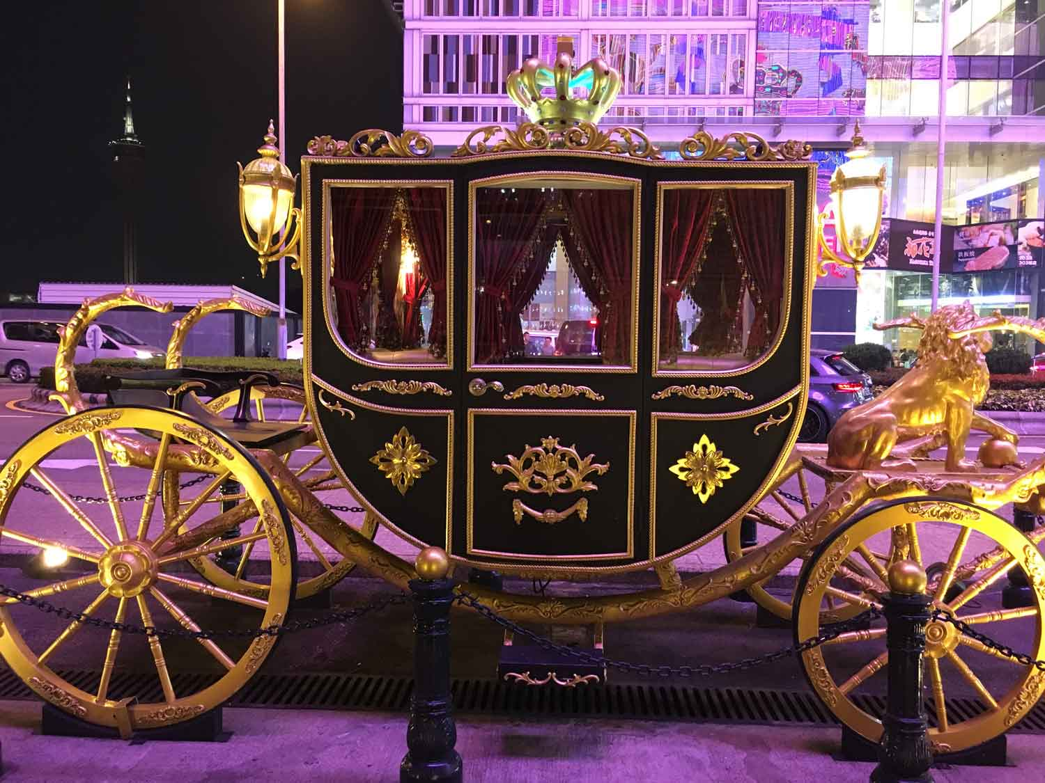 Grand Emperor Hotel gold carriage