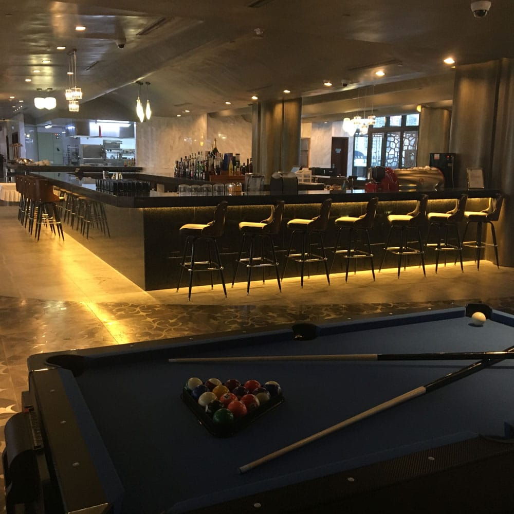 Varandas Restaurant and Bar pool table