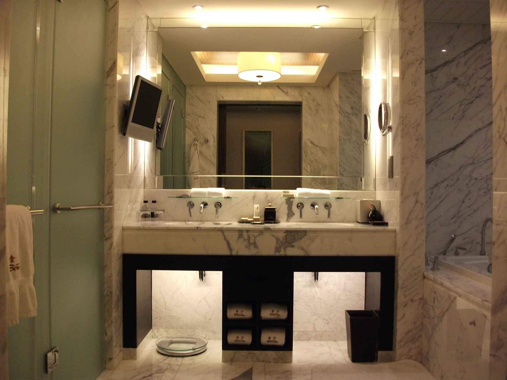 Sands Macao deluxe suite bathroom