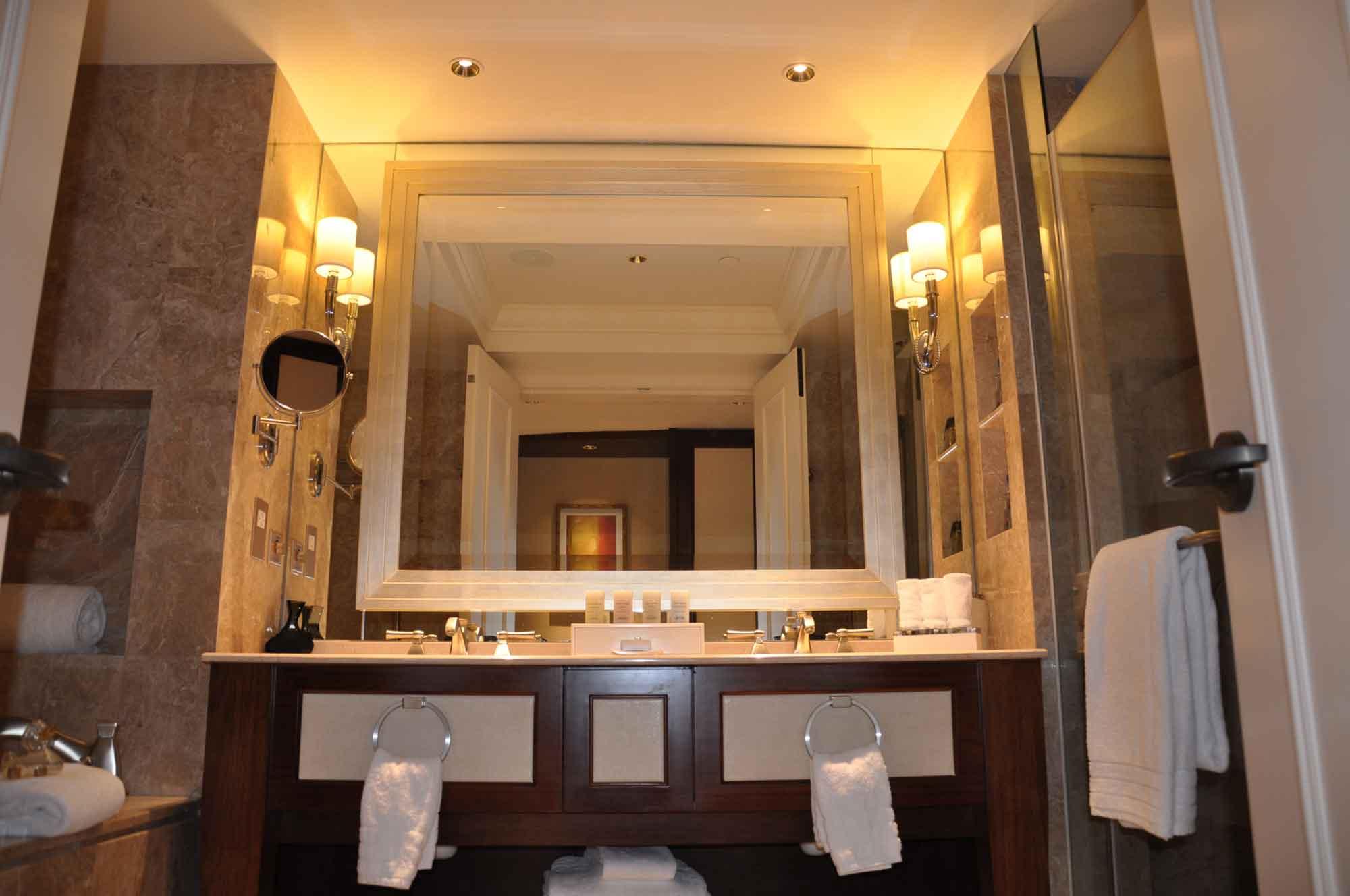 Conrad Macau King Deluxe bathroom