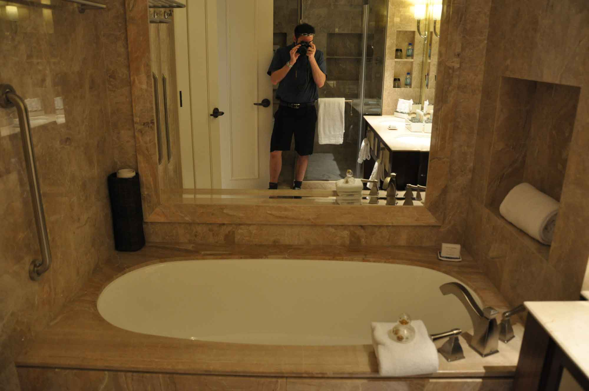Conrad Macau King Deluxe room bathtub