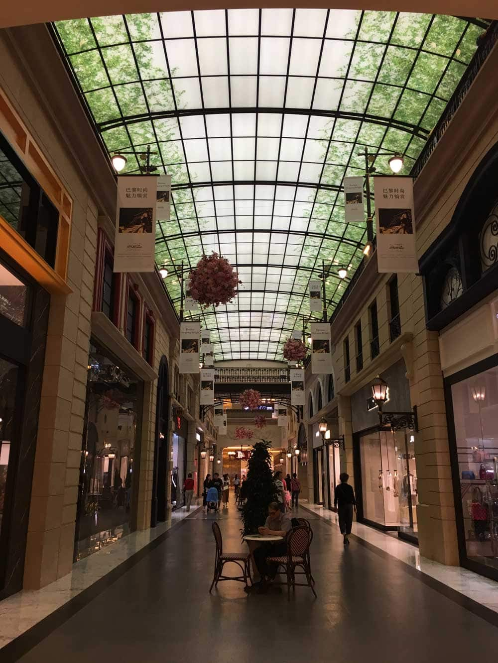 Parisian Macao shopping quarter