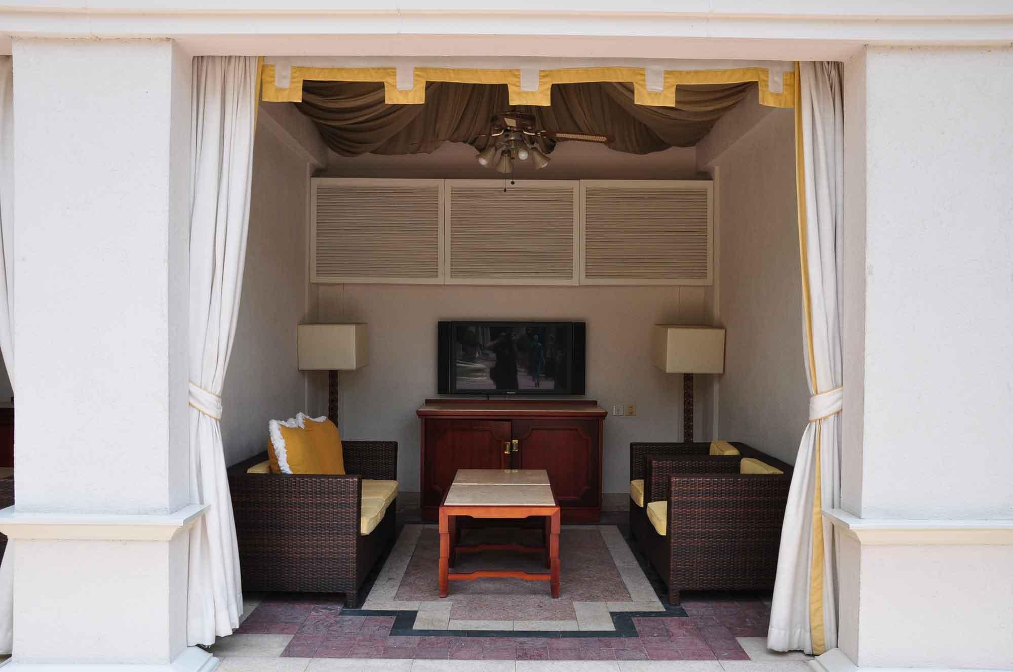 Venetian Macau pool cabana
