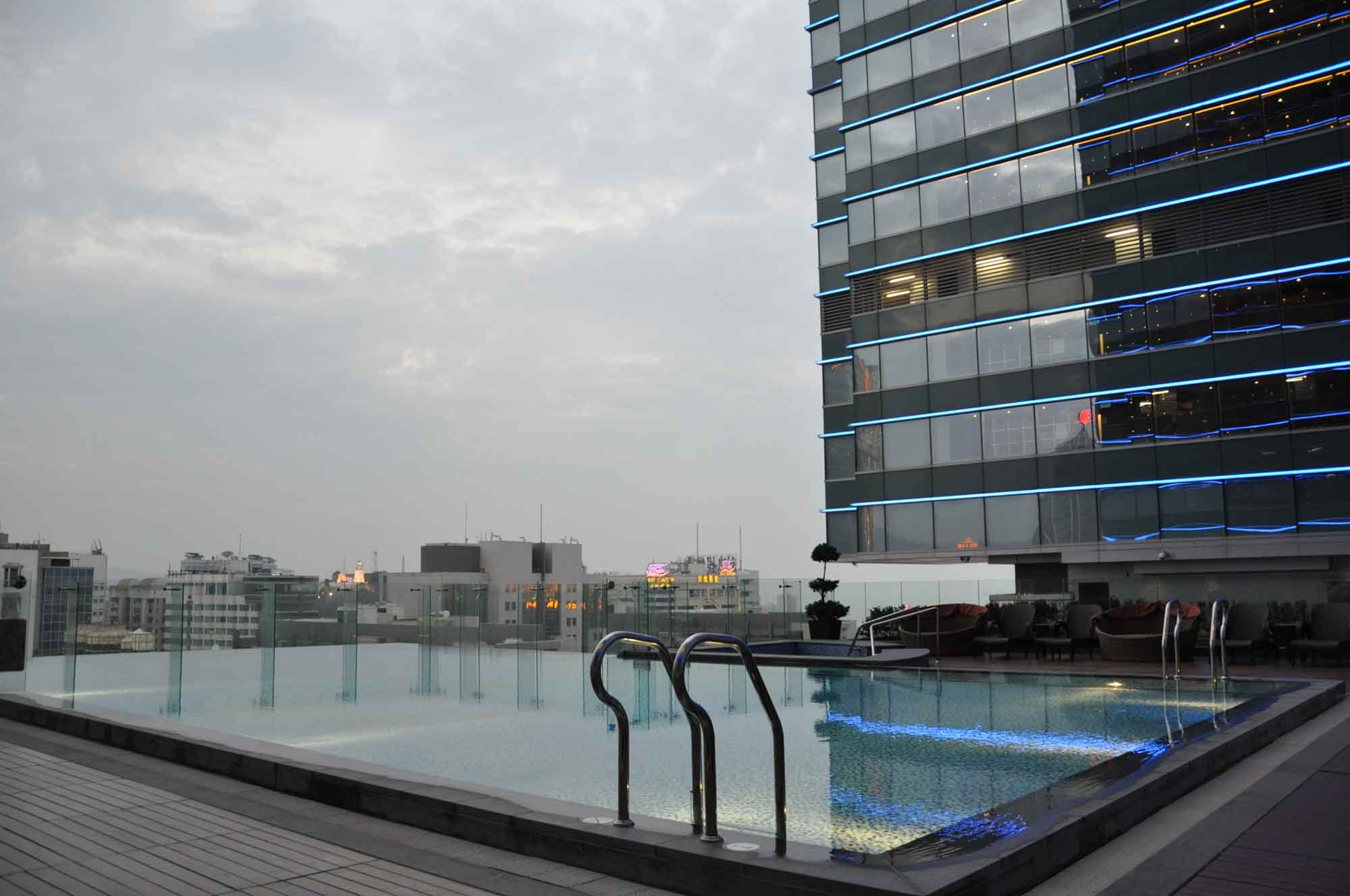 Starworld Macau pool