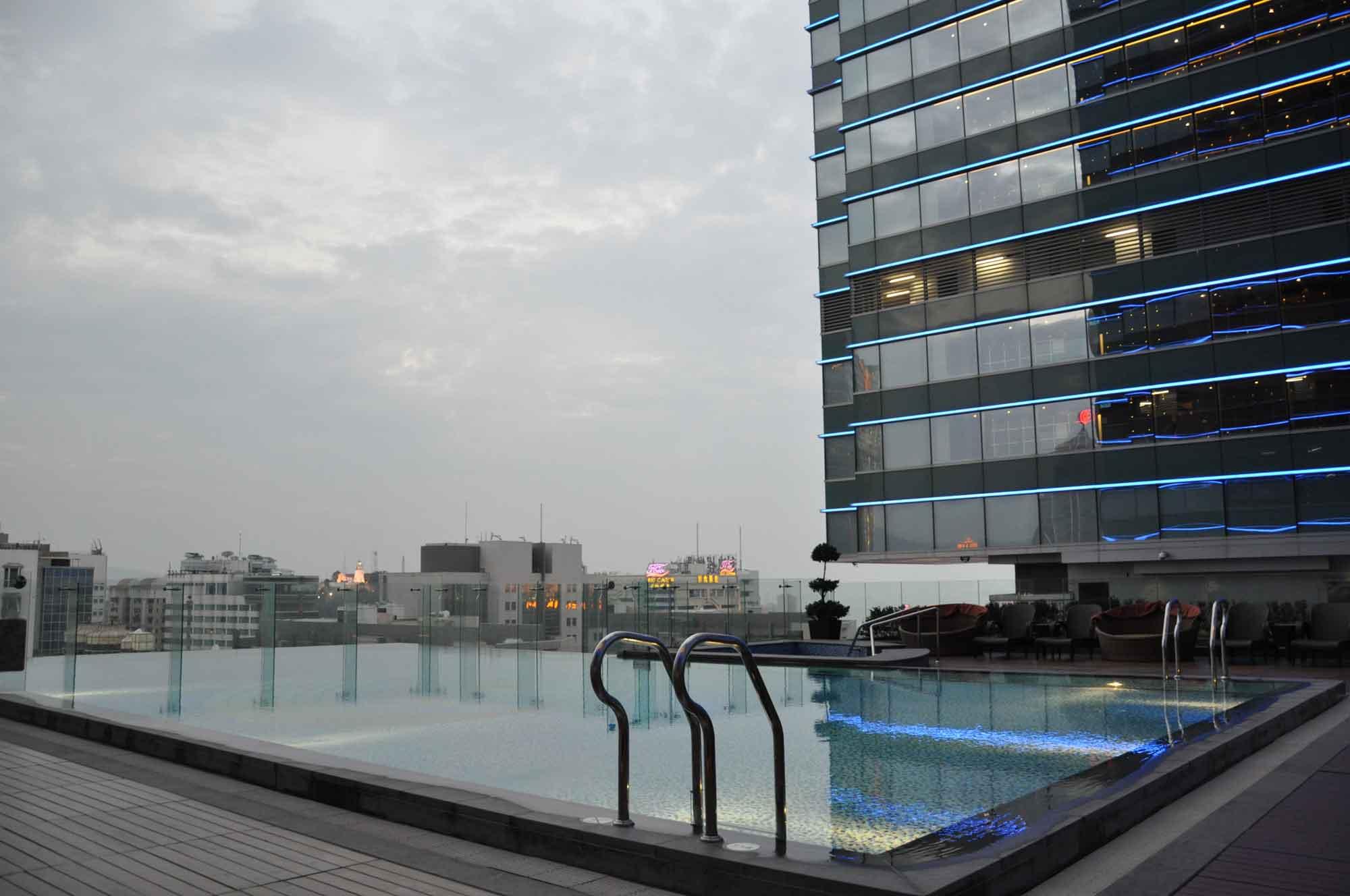 Starworld Macau pool