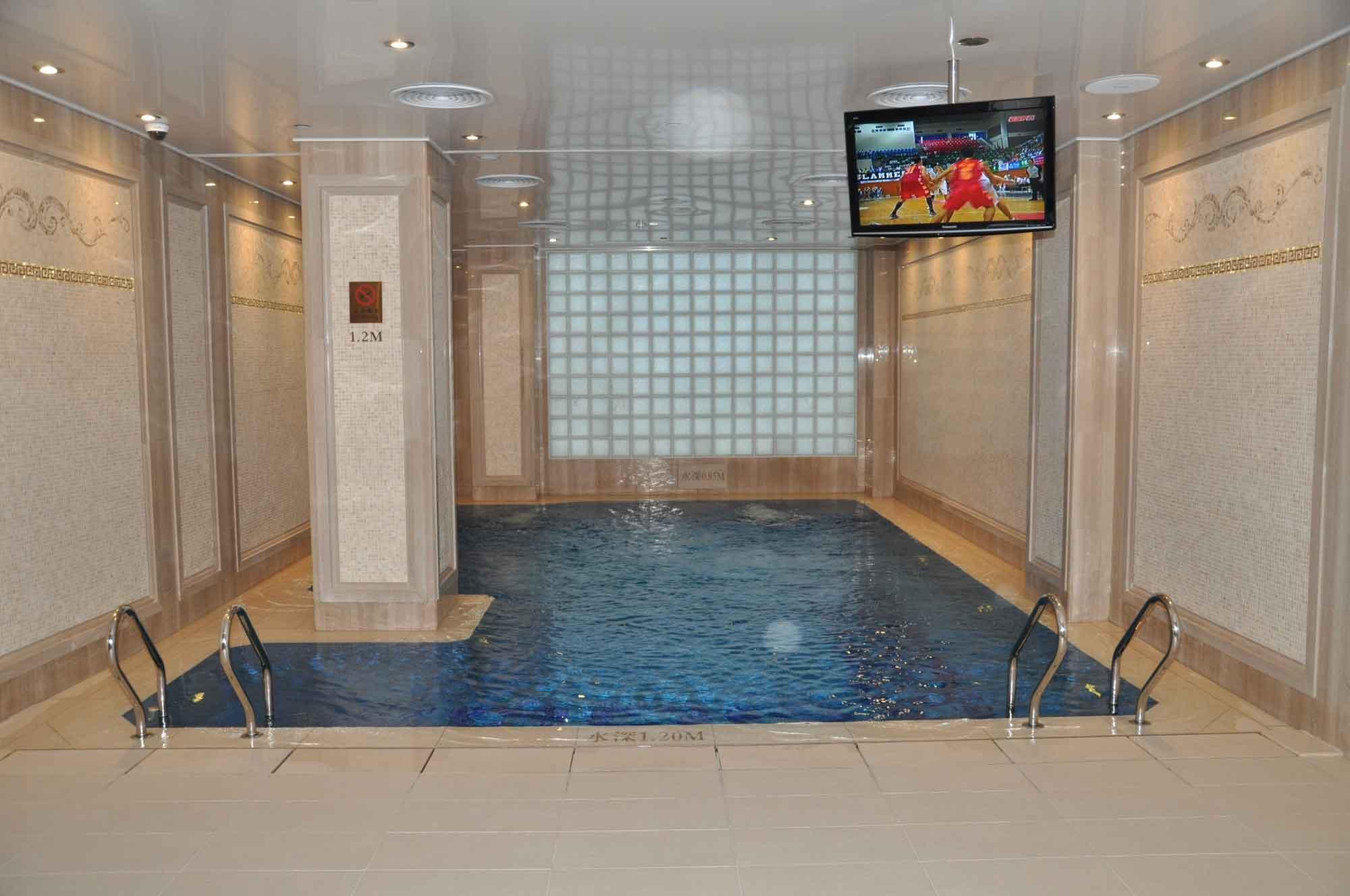 Hotel Lisboa pool