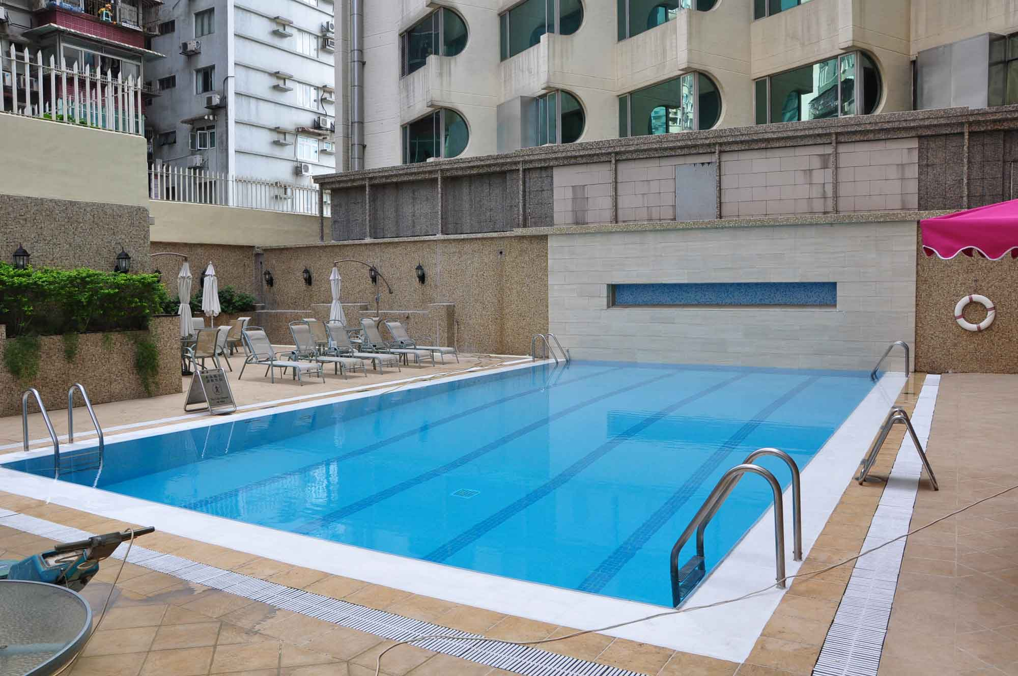 Grandview Hotel Macau outdoor pool