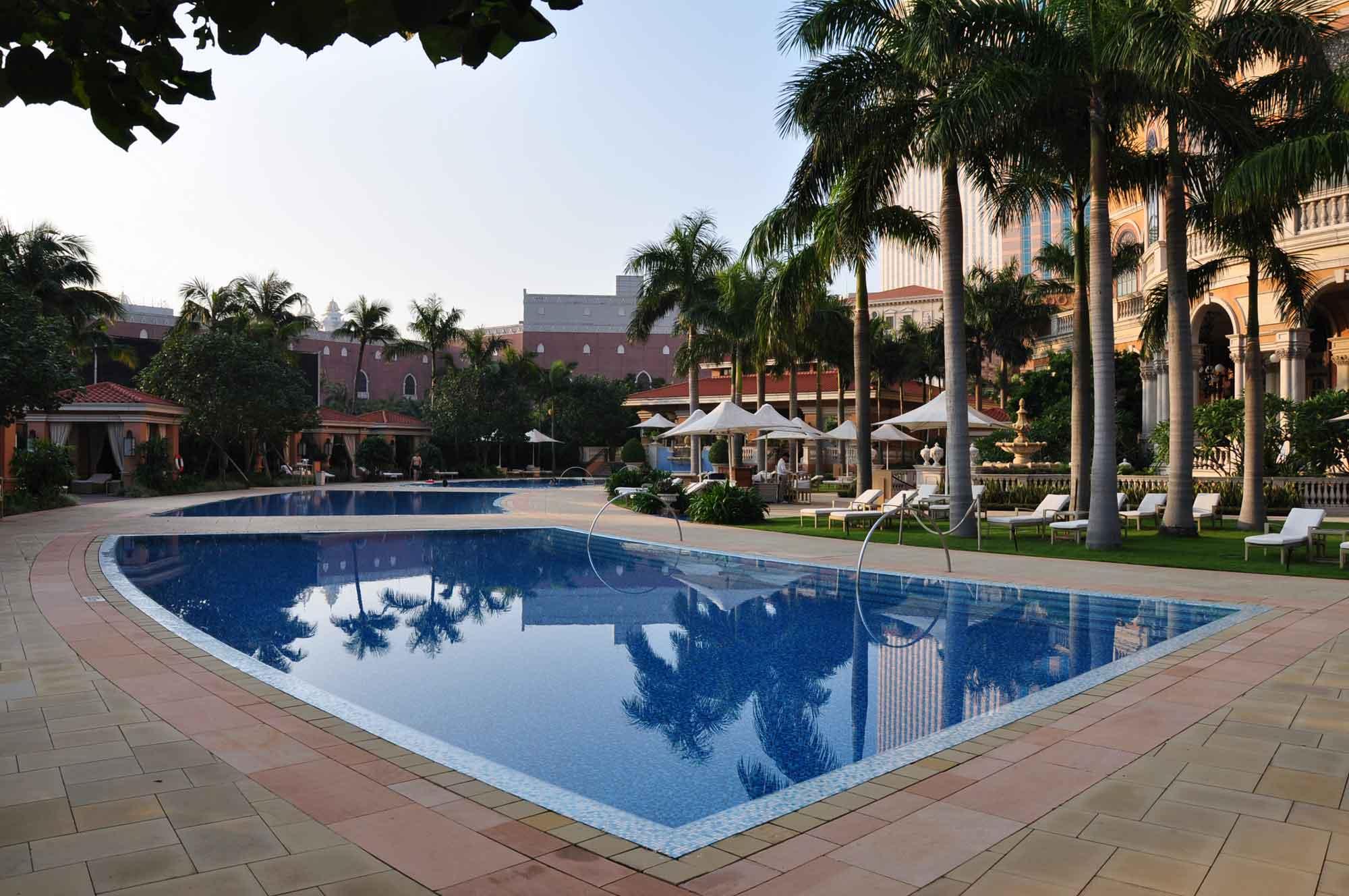 Four Seasons Macau outdoor swmming pool