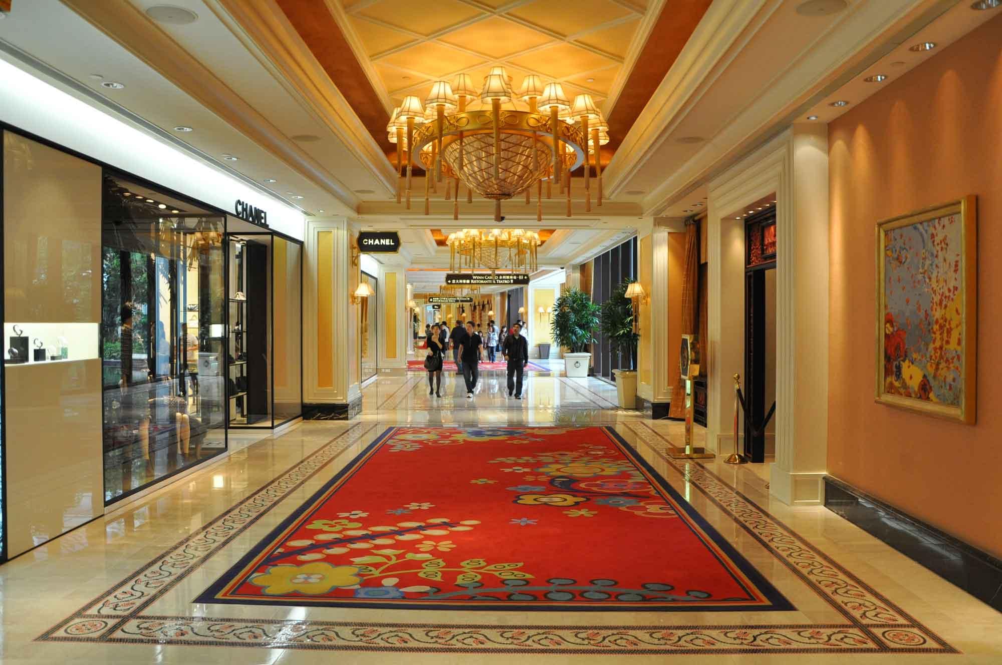 Wynn Macau shopping arcade