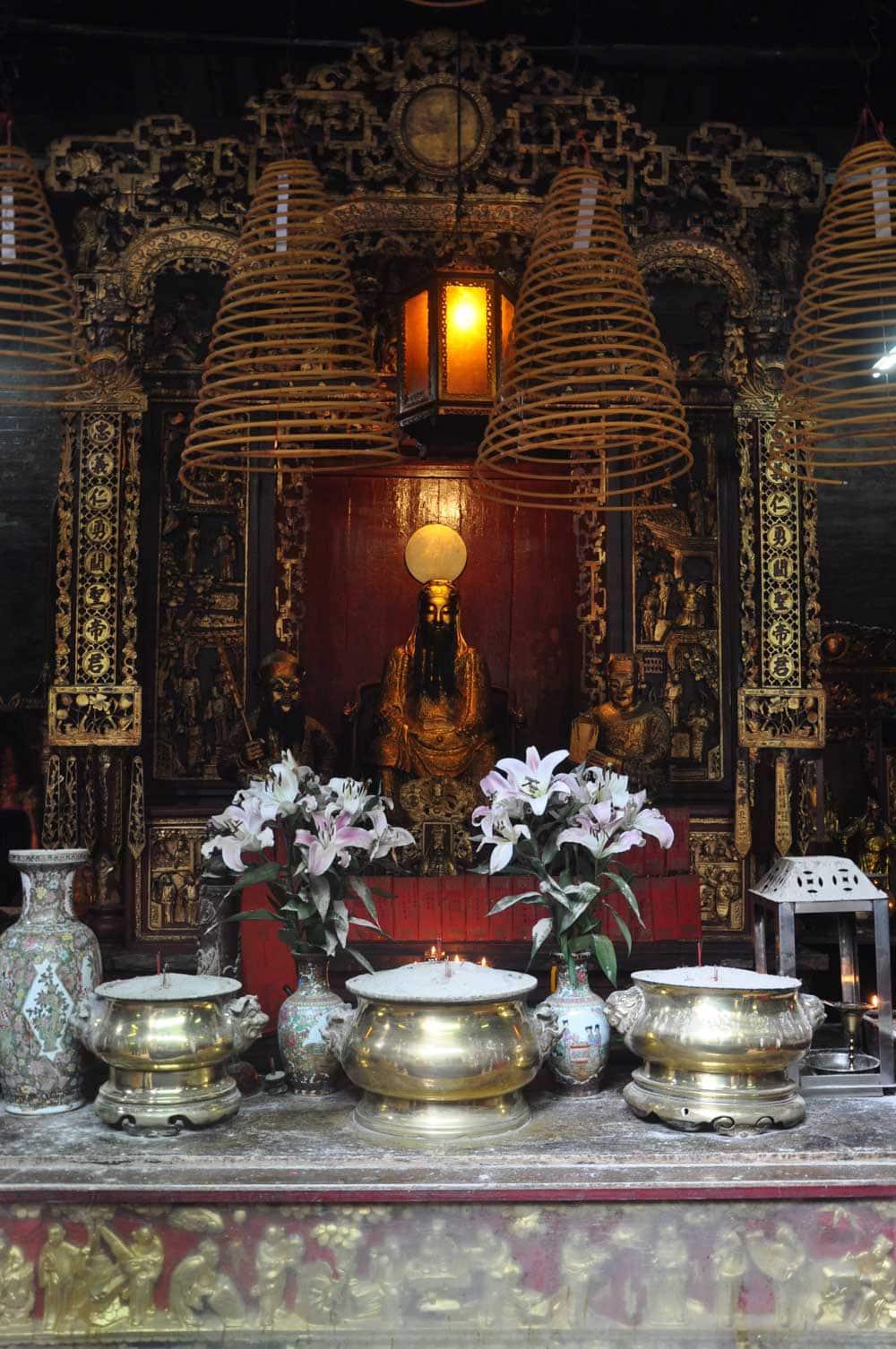 Sam Kui Viu Kun Temple altar
