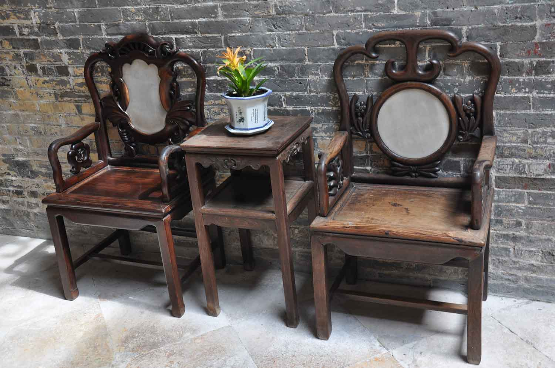 Lou Kau Mansion Macau table and chair