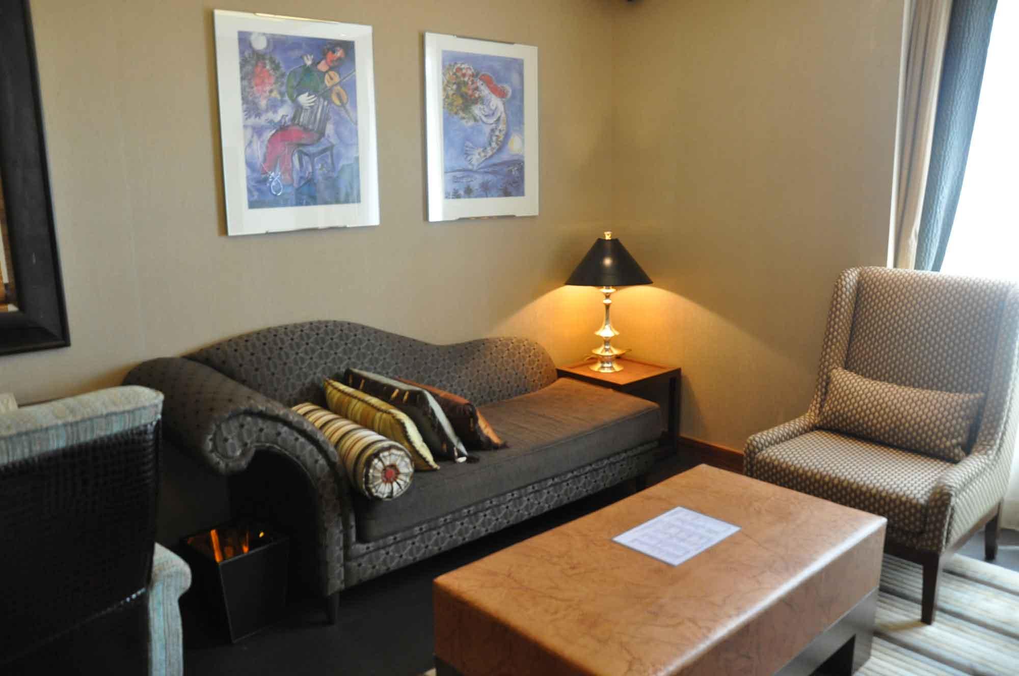 Pousada de Sao Tiago Macau Barra Suite living room