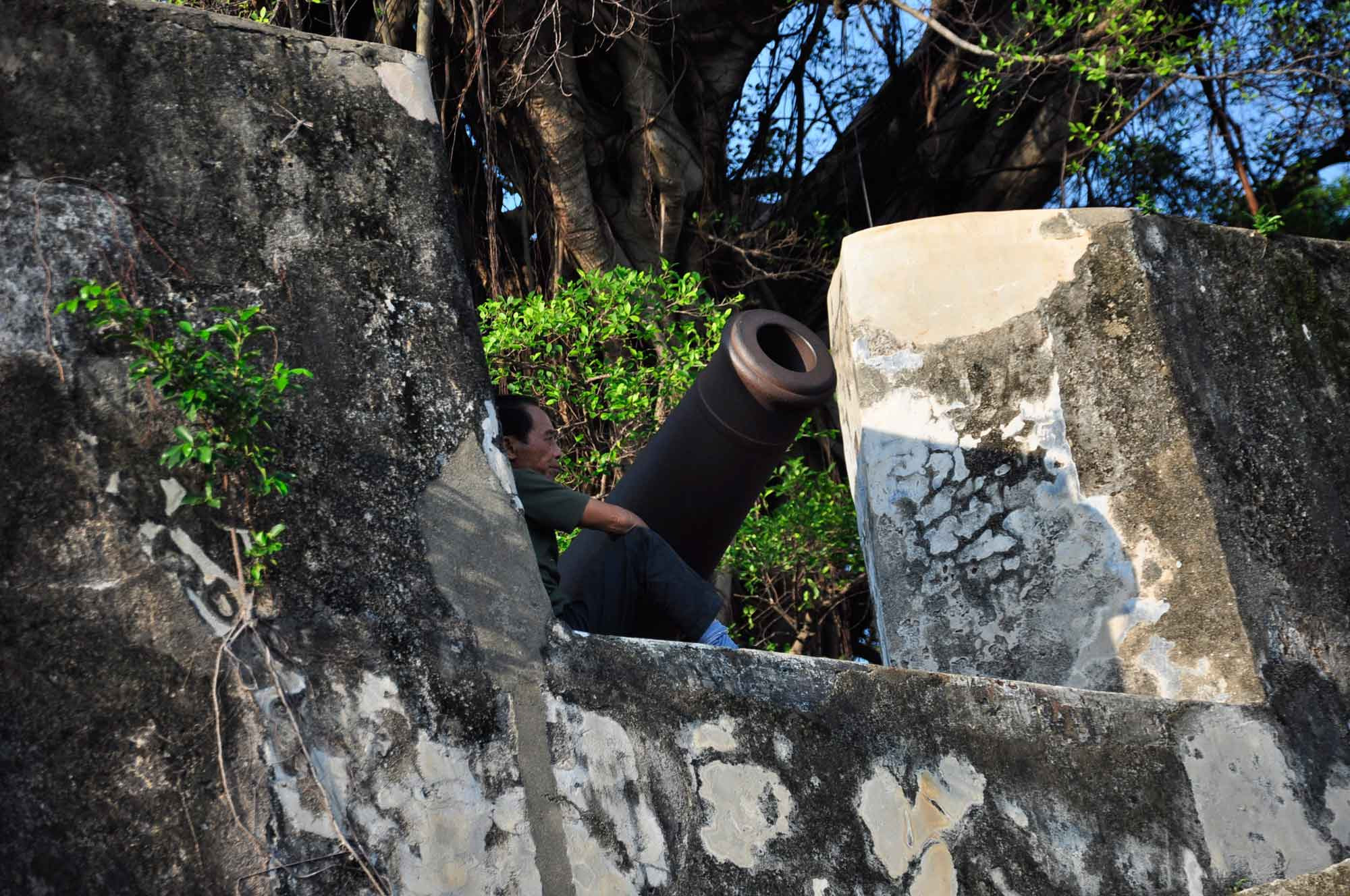 man and cannon at Mount Fortress Macau