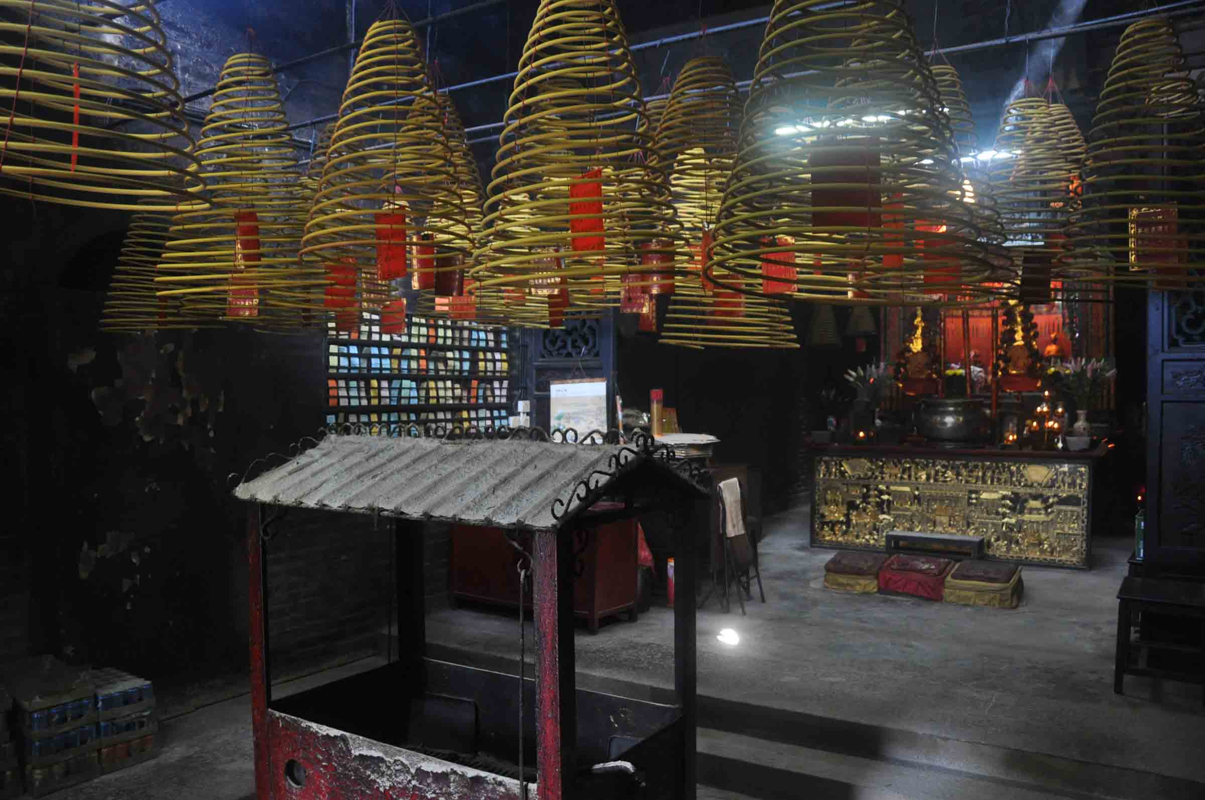 Taipa Village Temples: Tin Hau Temple interior