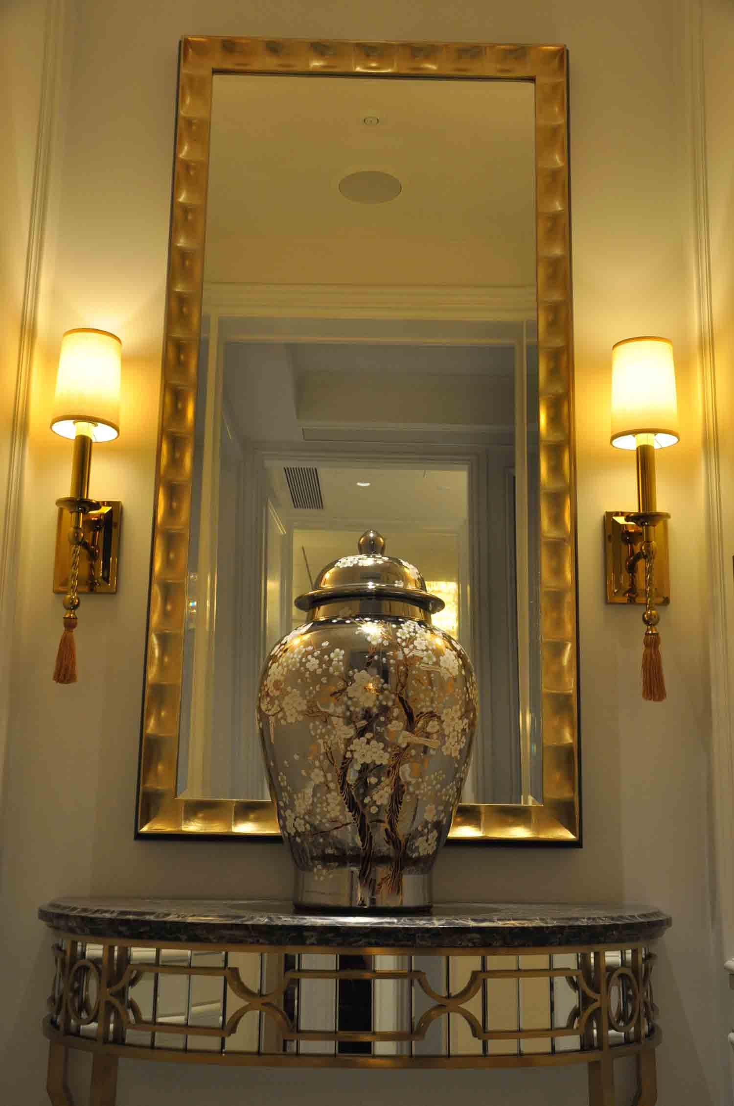 Ritz-Carlton Macau Premier Suite mirror and artwork